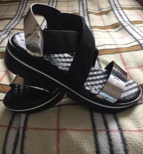 Женские летние сандали