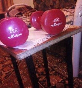 Гантели по 4 кг