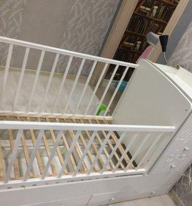 Кровать с пеленальным комодом трансформер