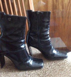 Ботинки высокие лаковые