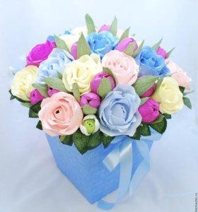 подарки к дню рождения из цветов с конфетами