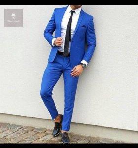 Строгие мужские костюмы 3 шт