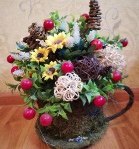 Деревья из бисера и композиции из сухоцветов.
