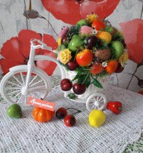 Велосипед с фруктами