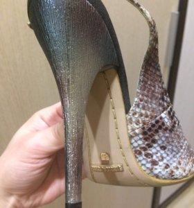 Туфли из натуральной кожи питона