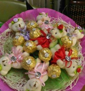 Букеты и корзины из конфет