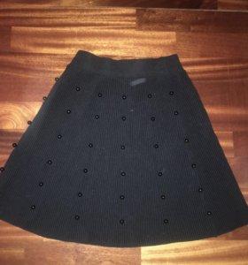 Юбка чёрная с бусинами