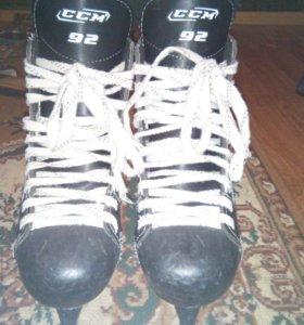 Хоккейные коньки Размер - 40