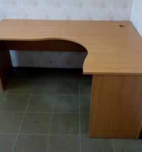 Столы и тумба для офиса