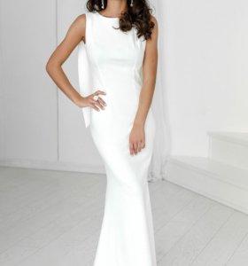 Новое белое вечернее платье