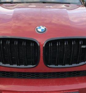 Черные решетки радиатора M стиль BMW X5 e70 X6 e71