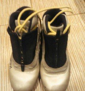 Лыжные ботинки Фишер