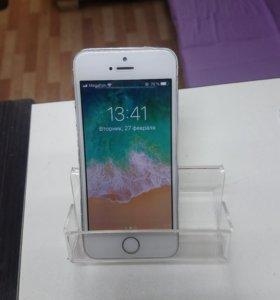 iPhone 5s 16GB в отличном состоянии