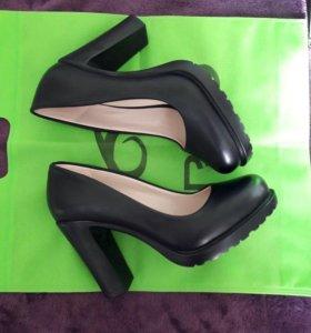 Туфли женские 36,40