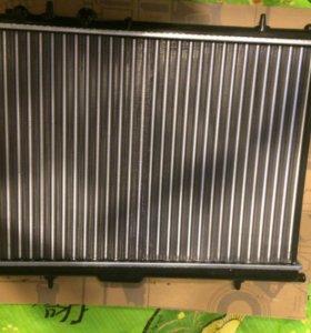 Радиатор peugeot 307