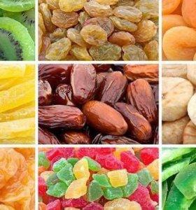 Орешки, сухофрукты и цукаты
