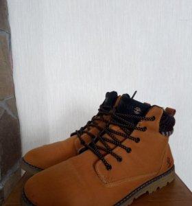 Ботинки зимние 43 размер, 2 пары