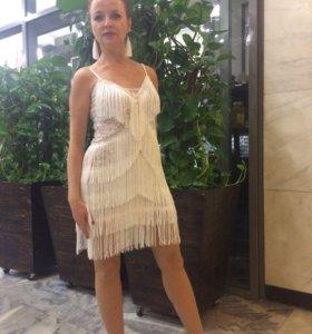 Платье для латины 42 размер.Плюс аксессуары.