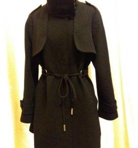 Женское пальто фирмы Fuchs Schmitt, Германия, 52 р