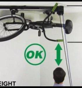 Крепление велосипеда под потолок.подъемный механиз