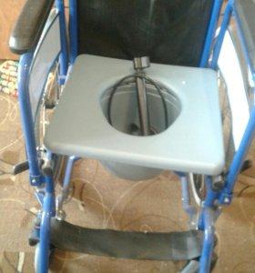 Инвалидная коляска (био туалет )