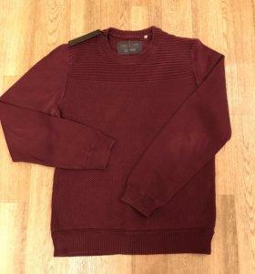 Фирменный свитер. Новый