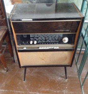 Радио, вроде в рабочем состоянии, возможен торг.