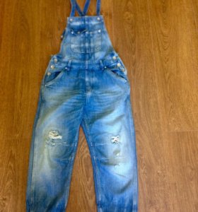 Pepe Jeans. Джинсовый комбинезон.
