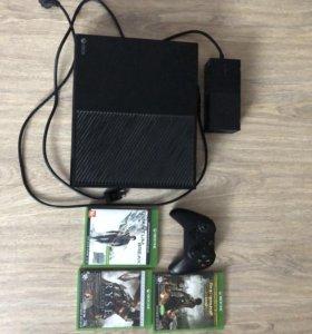 Xbox one 500 Gb.