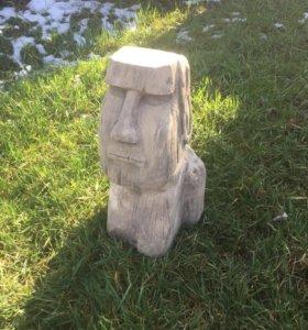Садовая скульптура моаи