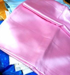 Новый отрез розового атласа