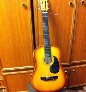 Гитара в хорошем состоянии с чехлом