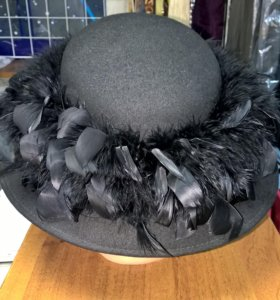 Шляпа красивая из фетра