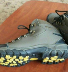 Новые ботинки размер 44