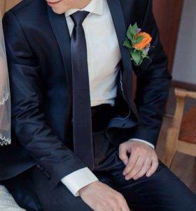 Свадебный костюм смокинг мужской