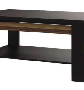 Журнальный стол, настенный шкаф, полка