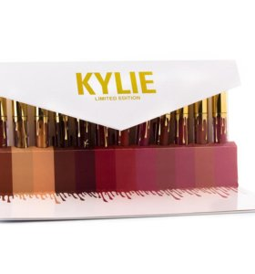 Набор из 12 помад Kylie в конверте
