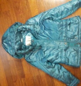 Теплая куртка на весну фирмы Джаст ю
