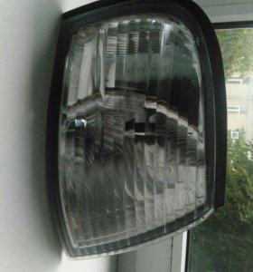 Поворотник правый Nissan sunny fb15