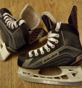 Коньки детские хоккейные Bauer
