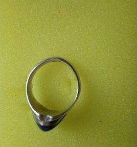 Кольцо серебряное с натуральным камнем
