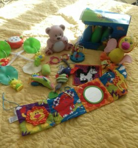 игрушки от 0до 1.5 лет