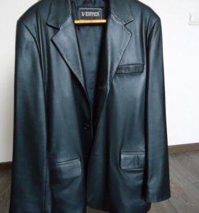 Классический черный кожаный пиджак, размер 46-48.