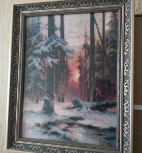"""Картина вышитая крестиком """"Закат в зимнем лесу""""."""