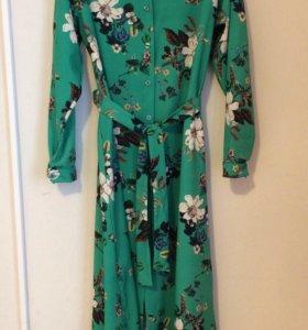 Платье размер 44-46 Италия