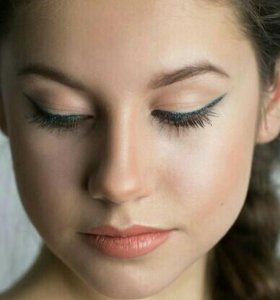 Make-up + локоны.