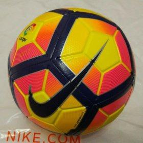 Новый футбольный мяч Nike Strike
