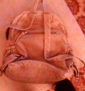 Рюкзак кожанный в идеальном состоянии , без замка