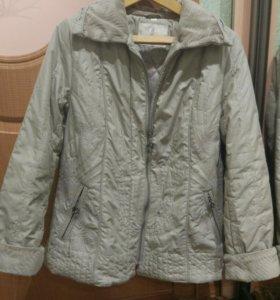 Куртка серая с вышивками демисезонная б/у