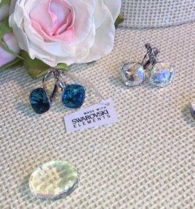 Серьги с кристаллами Swarovski.